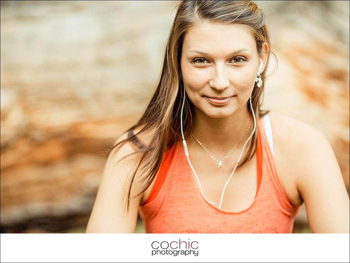 01-fotoshooting wien porträtfotos fotograf schloss laxenburg natur wiese gegenlicht-20120907-_KO_0485