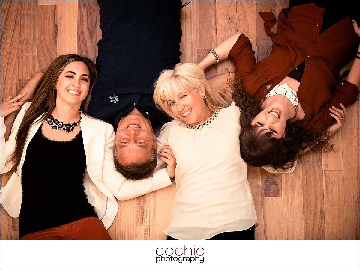 11-fotograf wien familienfotos wohnung indoor familie porträt fotoshooting-20120916-_KO_0236