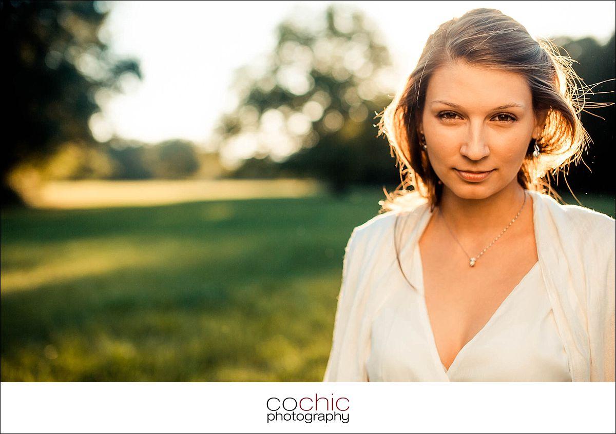 11-fotoshooting wien porträtfotos fotograf schloss laxenburg natur wiese gegenlicht-20120907-_KO_0789