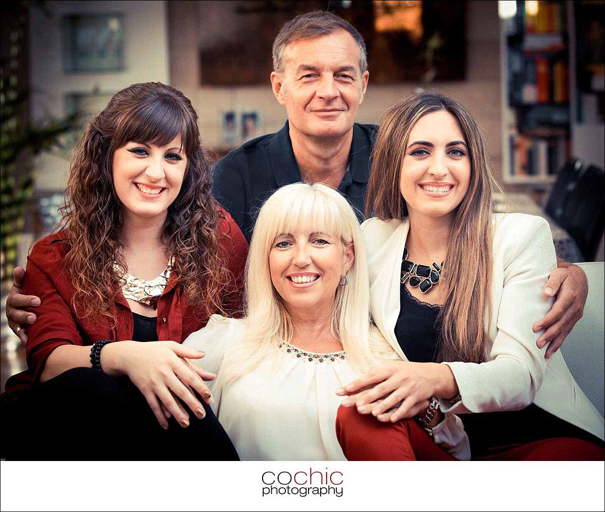 12-fotograf wien familienfotos wohnung indoor familie porträt fotoshooting-20120916-_KO_0285